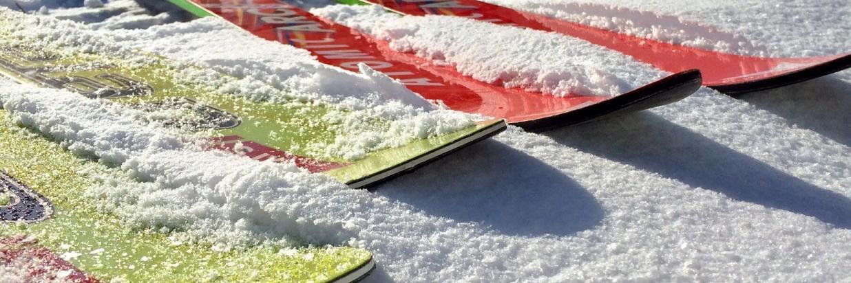 esquís-584600_1920.jpg