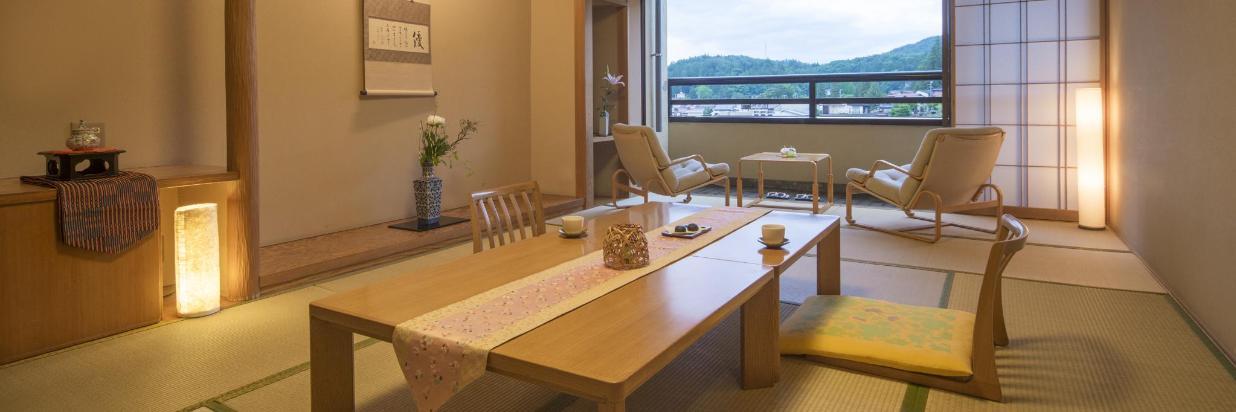 部屋_川側12畳-BookinSuite.jpg