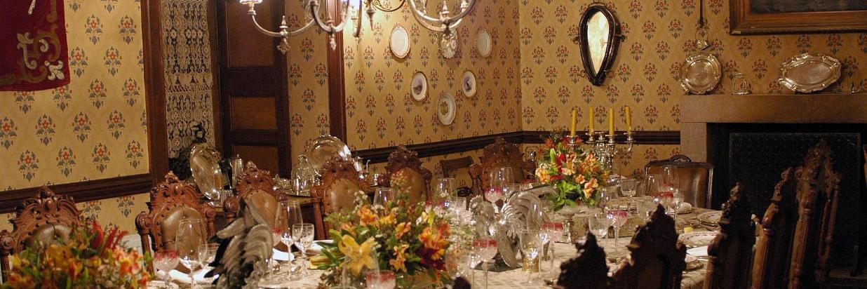 Dining Room 009.jpg