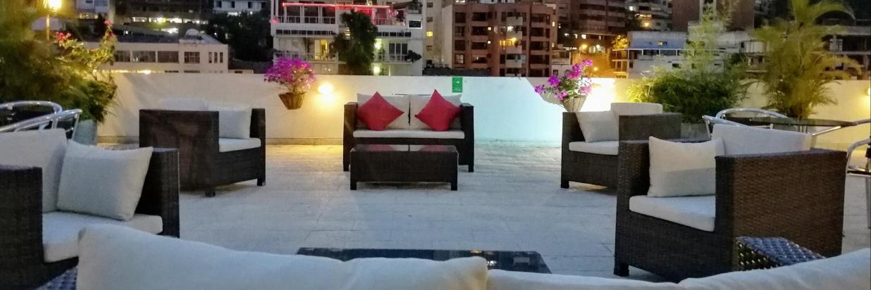 Salas Lounge - La Terraza del Aqua