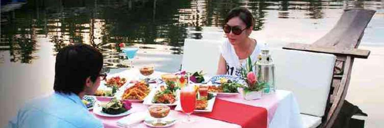 Dinner on Boat 3.jpg