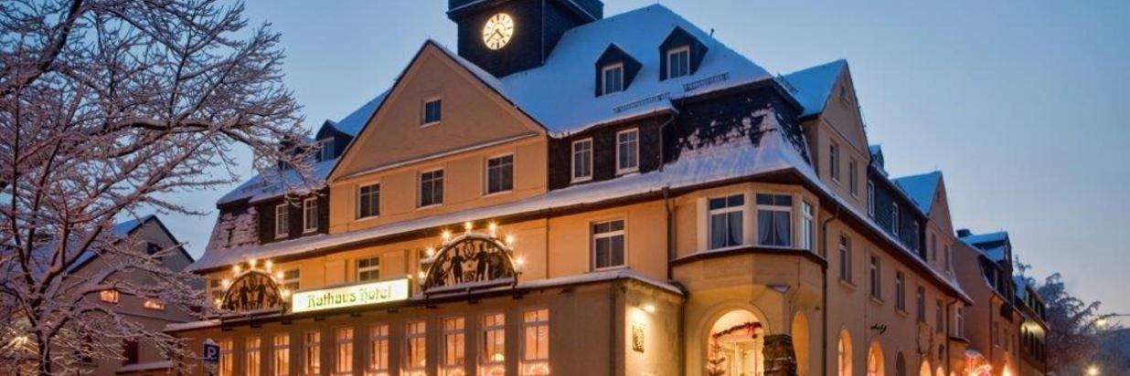 Rathaushotels-Aussenansicht.jpg
