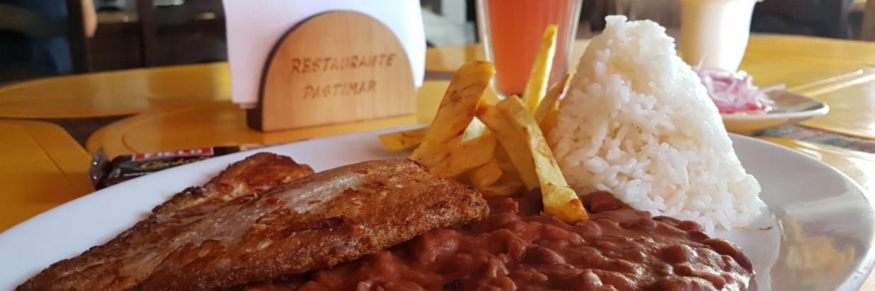Surf Hotel Hospedaje El Mirador Pacasmayo Peru Restaurant Pastimar web.jpg