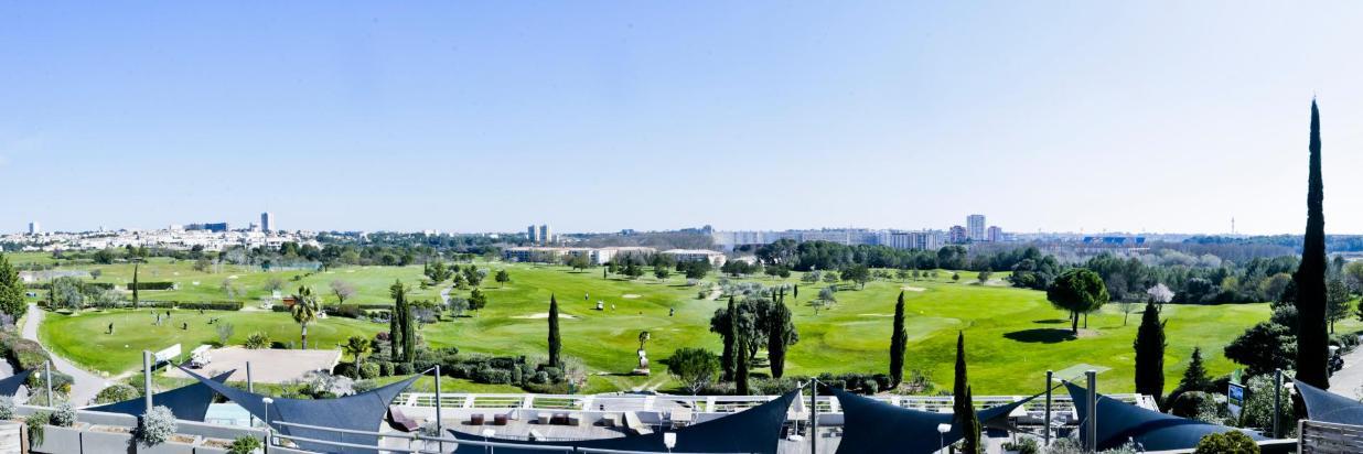 Pano Golf 2.jpg
