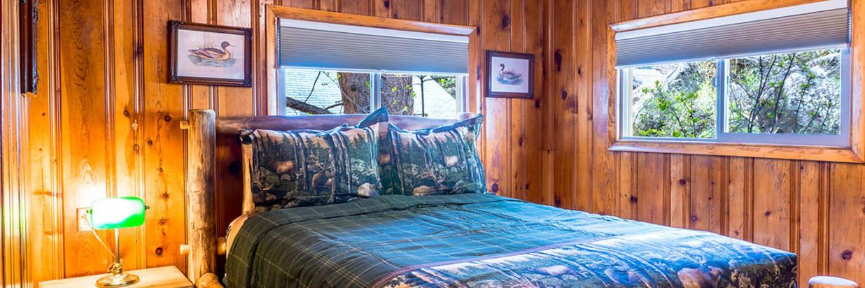 Cabin great Queen bed rm - Copy.jpg