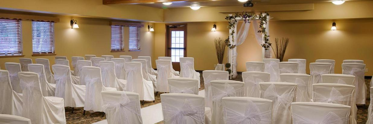 Indoor Leavenworth wedding venue.jpg