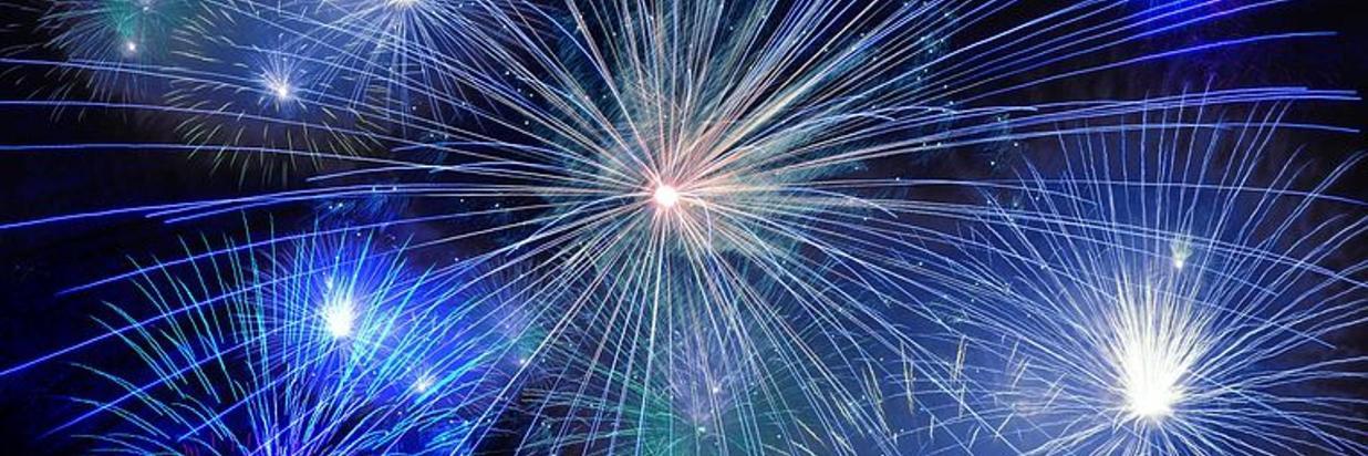 fireworks-574739__480 (1).jpg