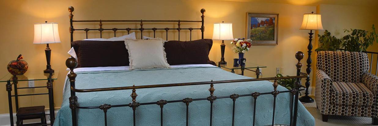 Fan room Bed. for web.jpg