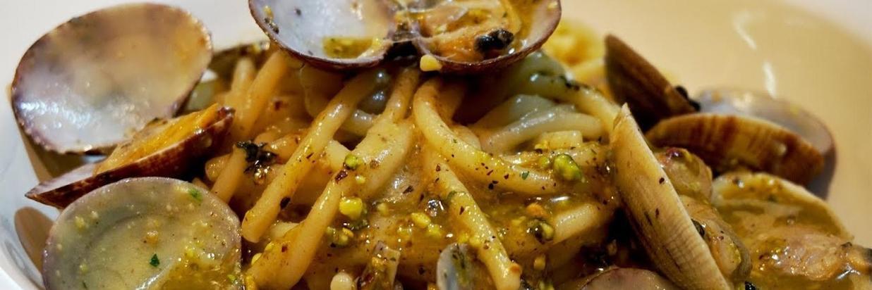 vongole e crema di pistacchi e bottarga.jpg