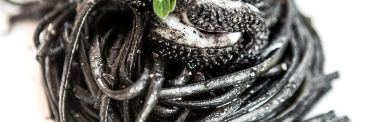pasta-al-nero-di-seppia.jpg