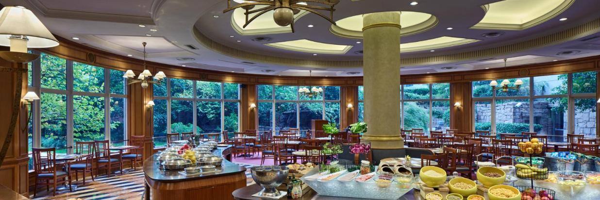 Cafe Bistro_at_Hongqiao JinJiang Hotel_Shanghai.jpg