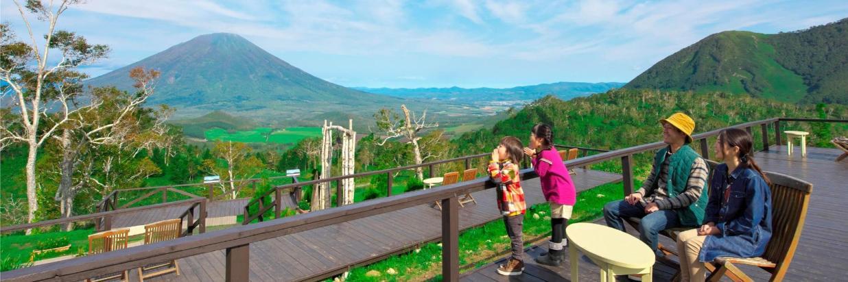 43_youtei-terrasse_family_04_RCO0116 2880_2160 150dpi.jpg