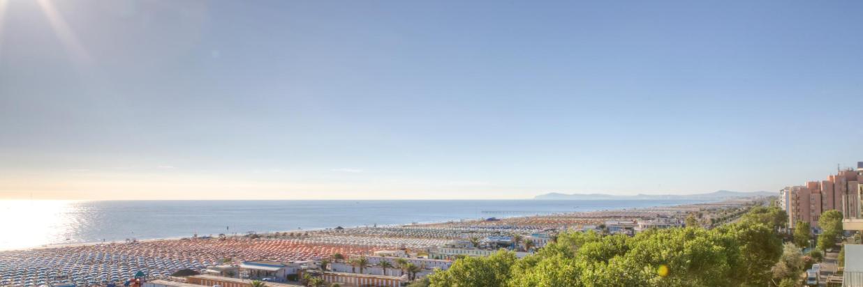 _MG_7003_4_5_dal_panoramico_vista_gabicce_con_sole.jpg