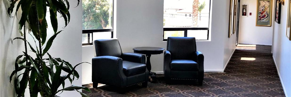 library sitting area.JPG