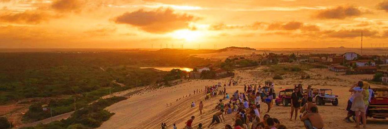 pessoas-por-do-sol-dunas-canoa-quebrada-ce.jpg