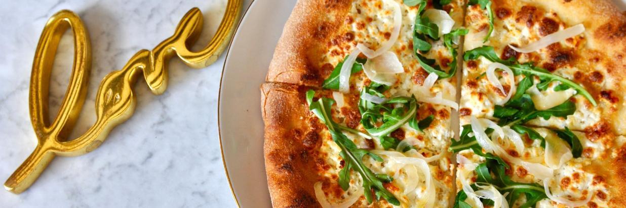 Si buscas reavivar el romance o comenzar un nuevo fuego, este menú de inspiración italiana es simplemente perfecto. Cenas Románticas en HOUSE Restaurante. En el interior de Las Casas B+B Boutique Hotel, Spa & Restaurante. Cuernavaca.