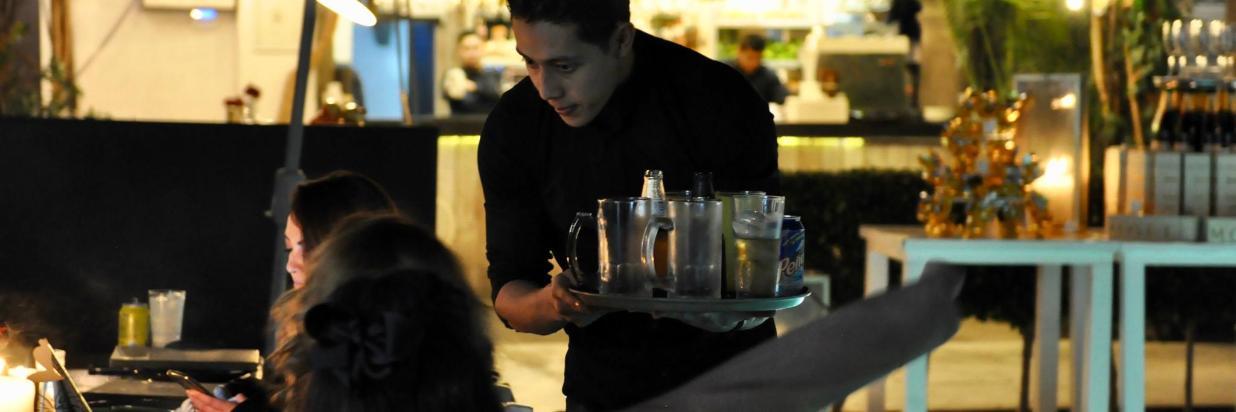 Disfruta una deliciosa experiencia inspirada en California en uno de los mejores restaurantes de Cuernavaca! House Restaurante en En el interior de Las Casas B+B Boutique Hotel, Spa& Restaurante.