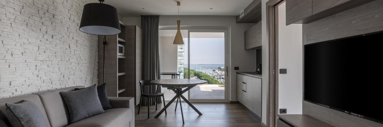12-pietrorizzato-hoteitaliapalace-apartmentsuite.jpg