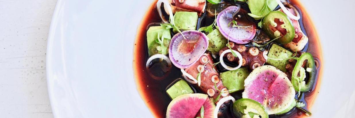 Comida sabrosa, buen ambiente y servicio maravilloso! House Restaurante en Cuernavaca.