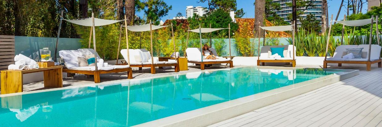 007_Pool_Cabana_2.jpg
