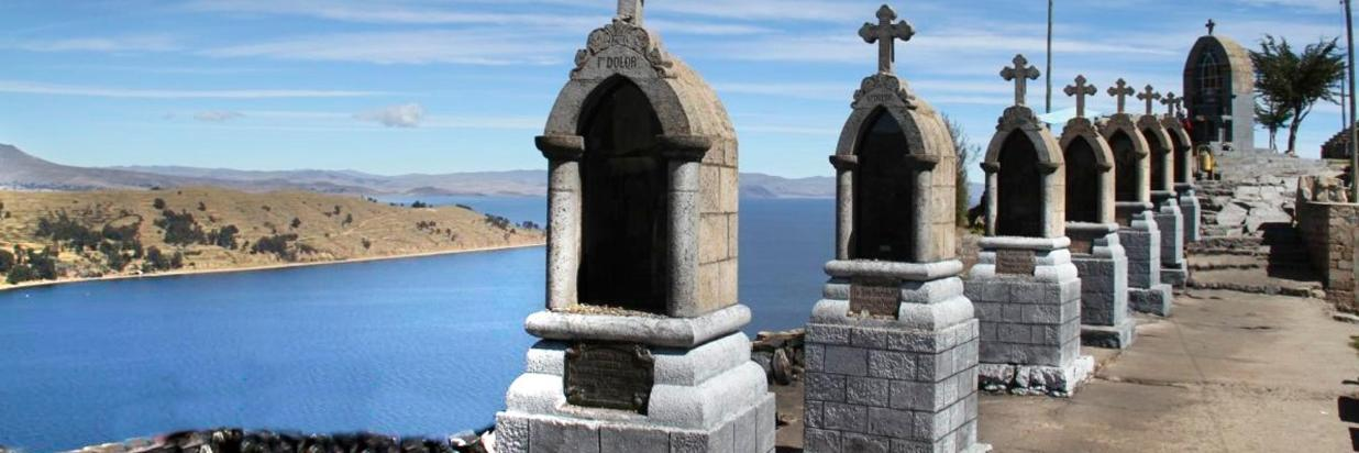 grutas titicaca.jpg