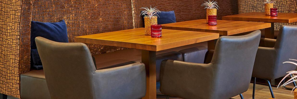 1. Restaurant Eckbank.jpg