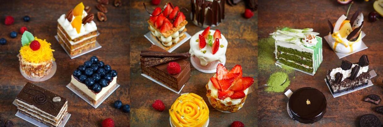 Mini Cakes Banner.jpg