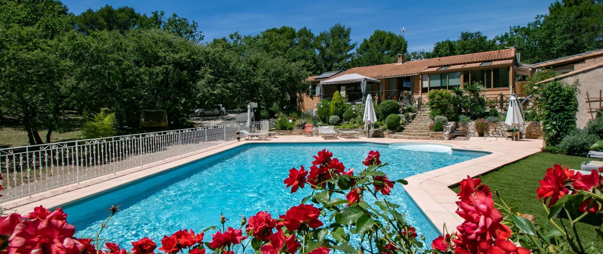 Villa piscine vue générale1 juillet 2020.jpg