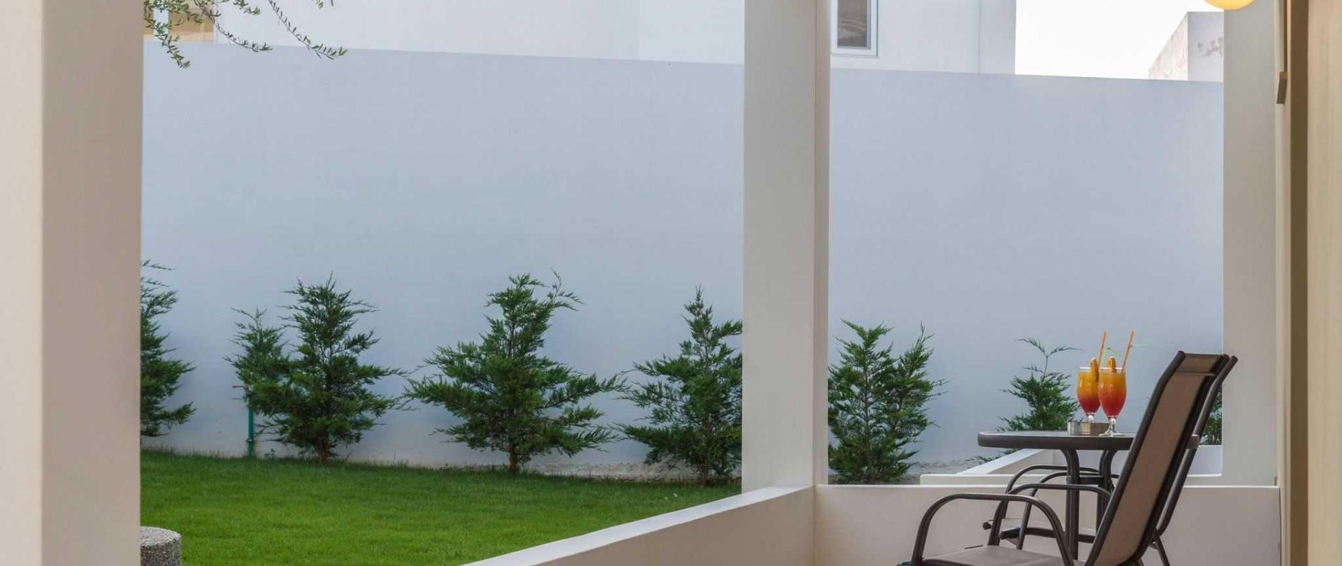 superior-aptms-balcony.jpg
