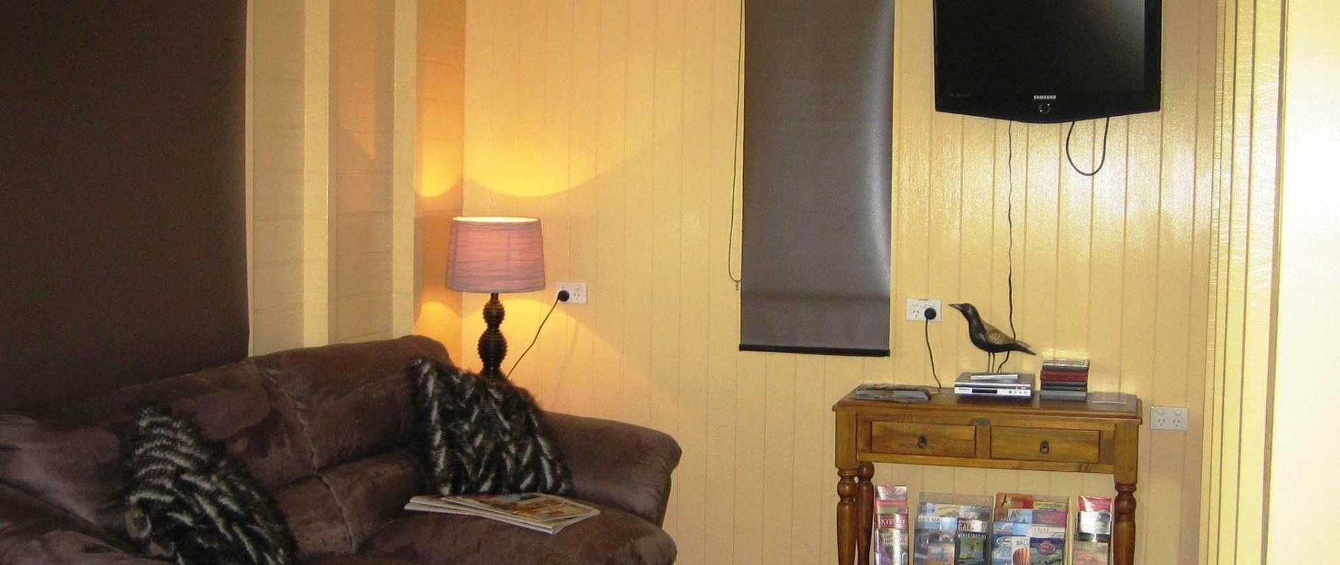 lounge-003.jpg