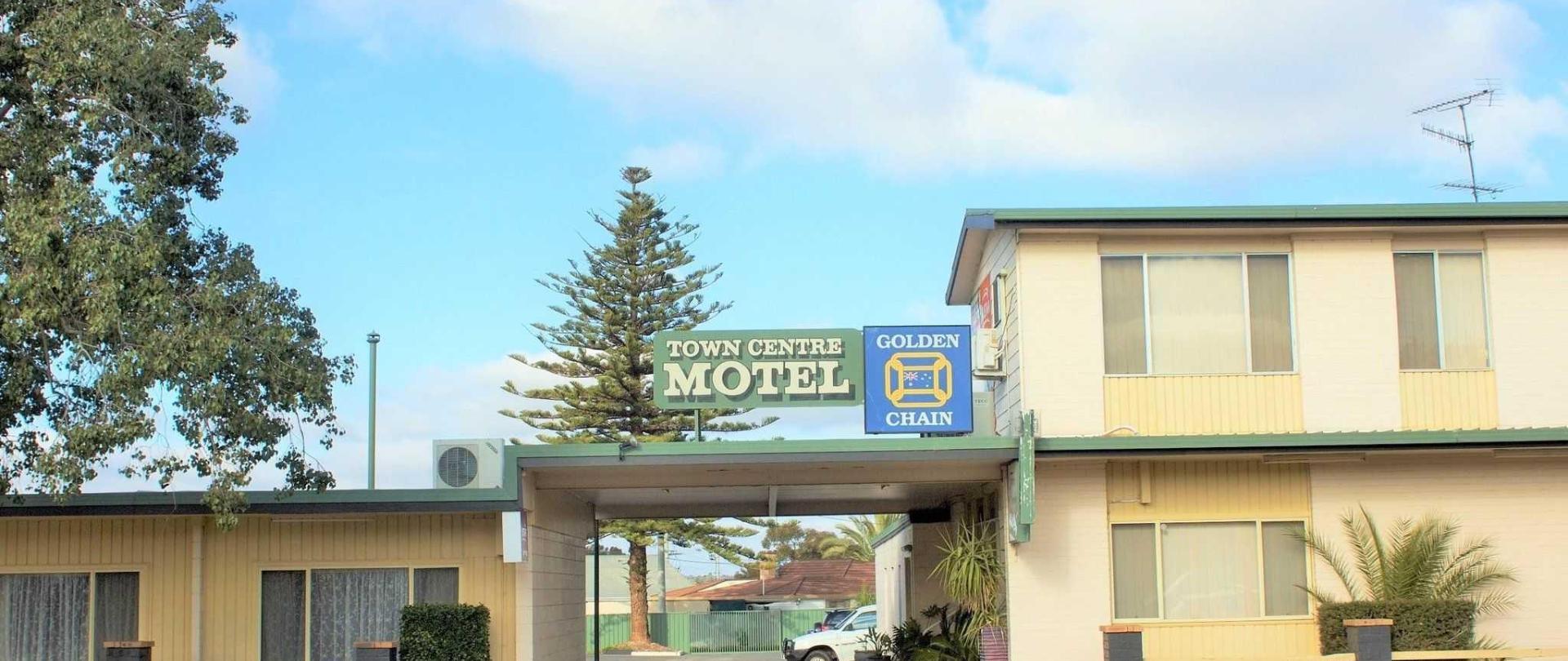 motel-entrance-2-1.jpg