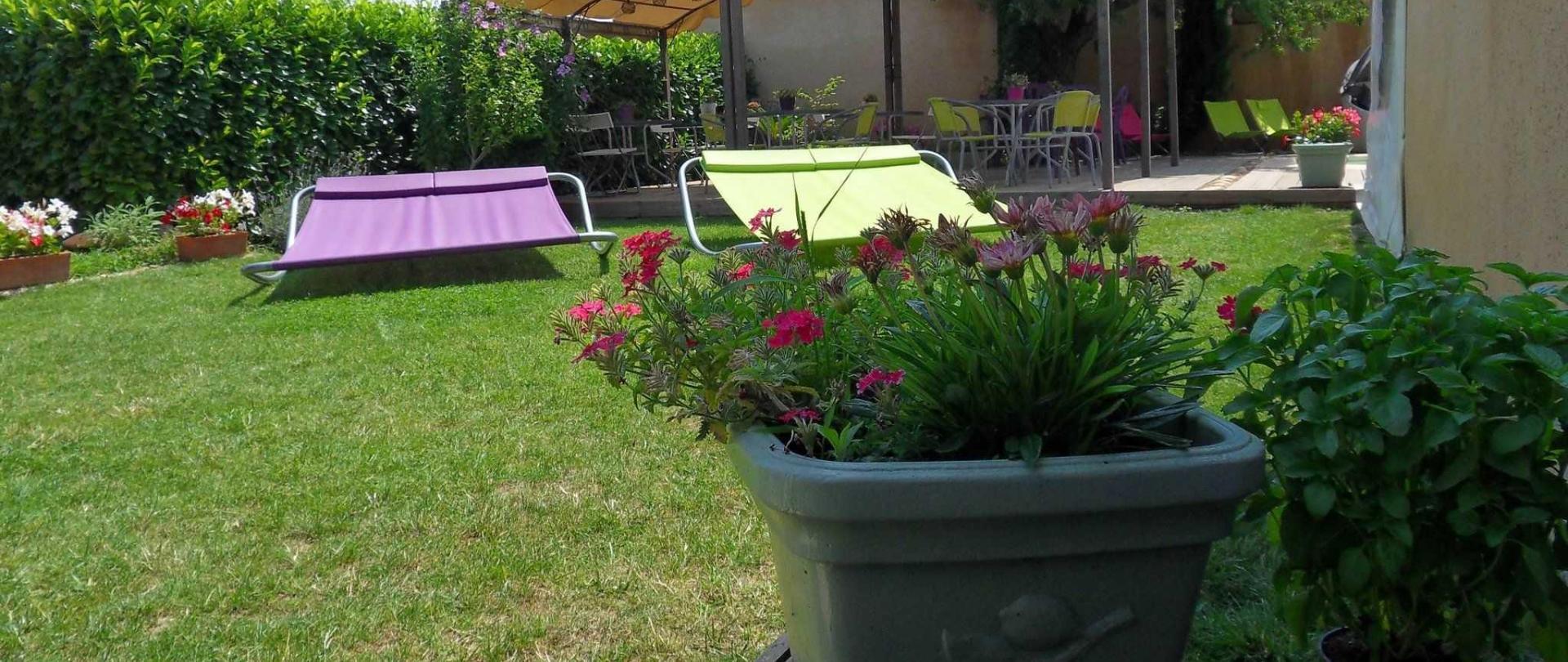 vue-sur-le-jardin-2.jpg