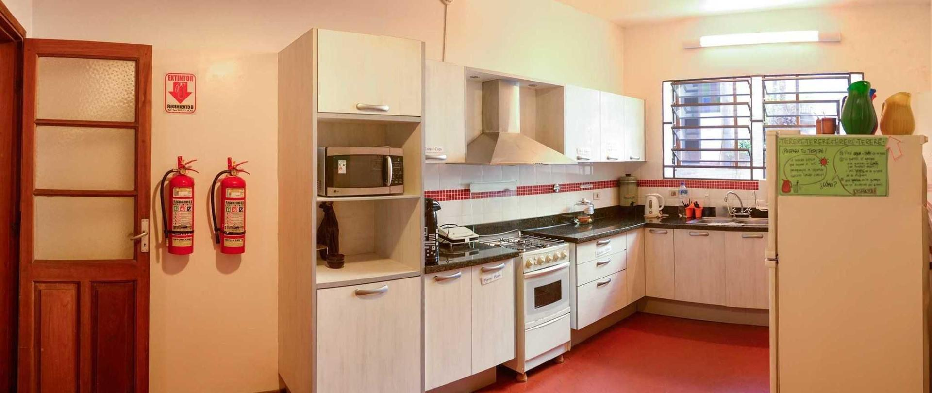 ara5-panoramica-cocina-completa.jpg