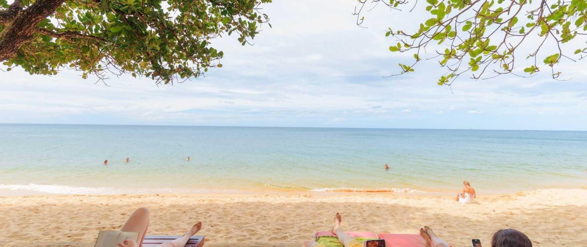 beach-1.jpg