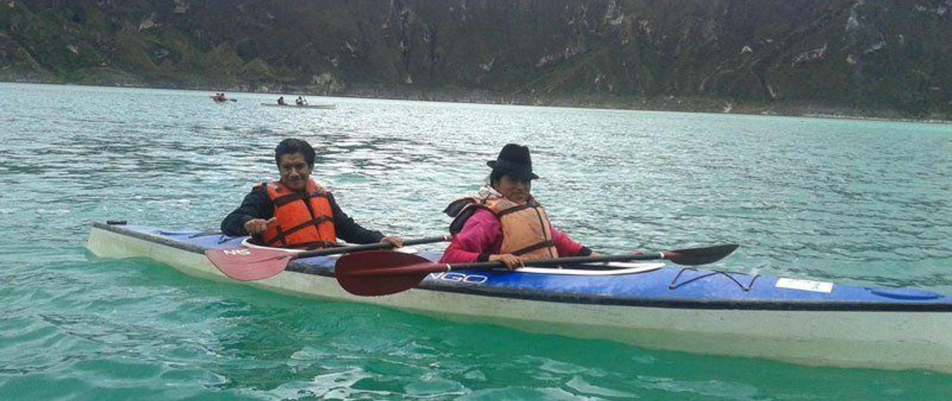 Kayak en la Laguna del Quilotoa