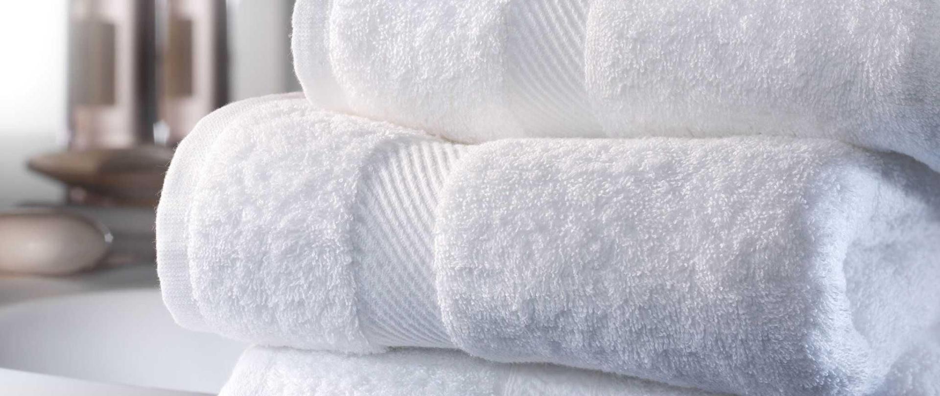 asciugamani-bianchi.jpg