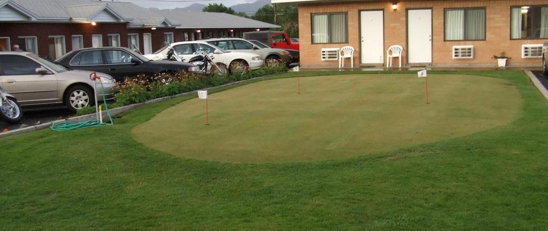 Motel Putting Green