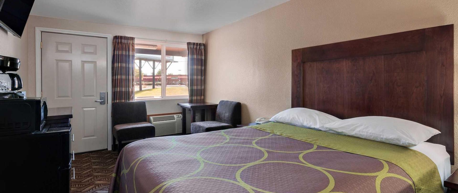 single_bed_guestroom.jpg