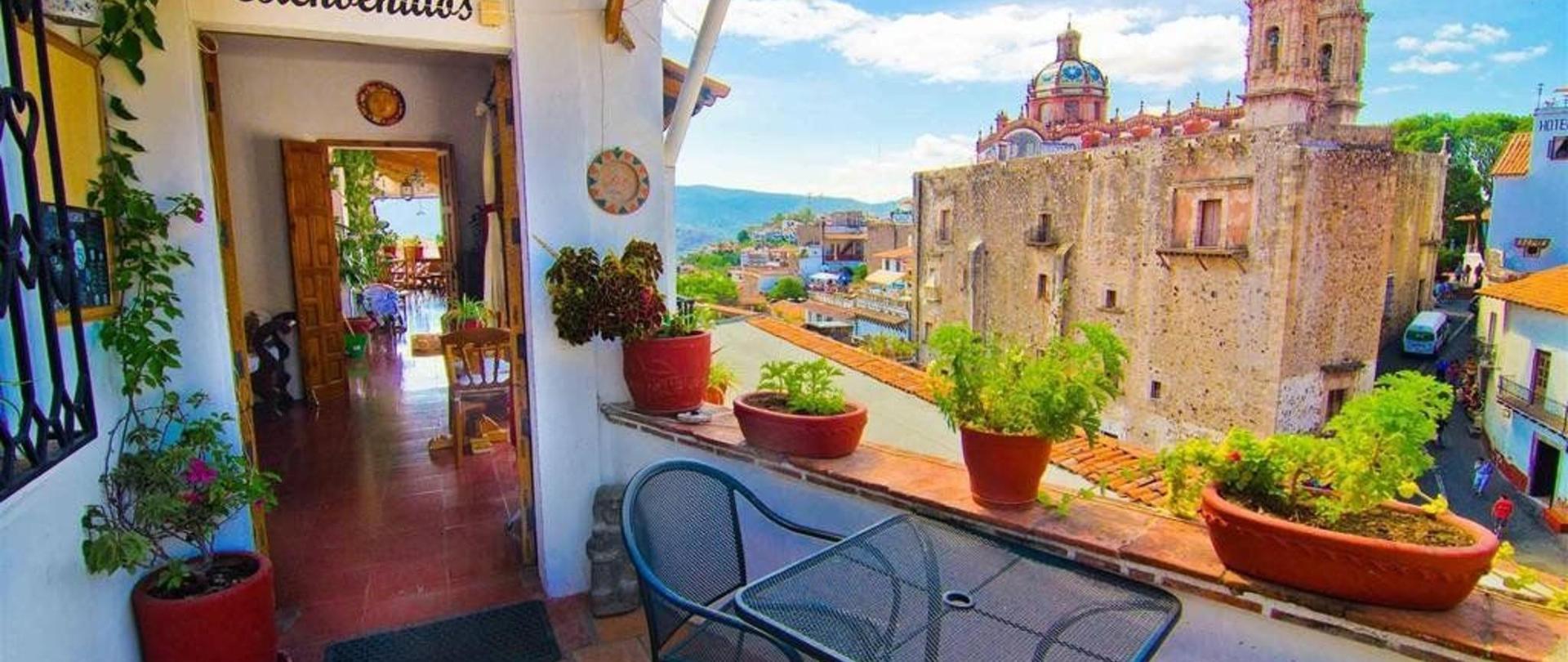 Welcome to Hotel Mi Casita