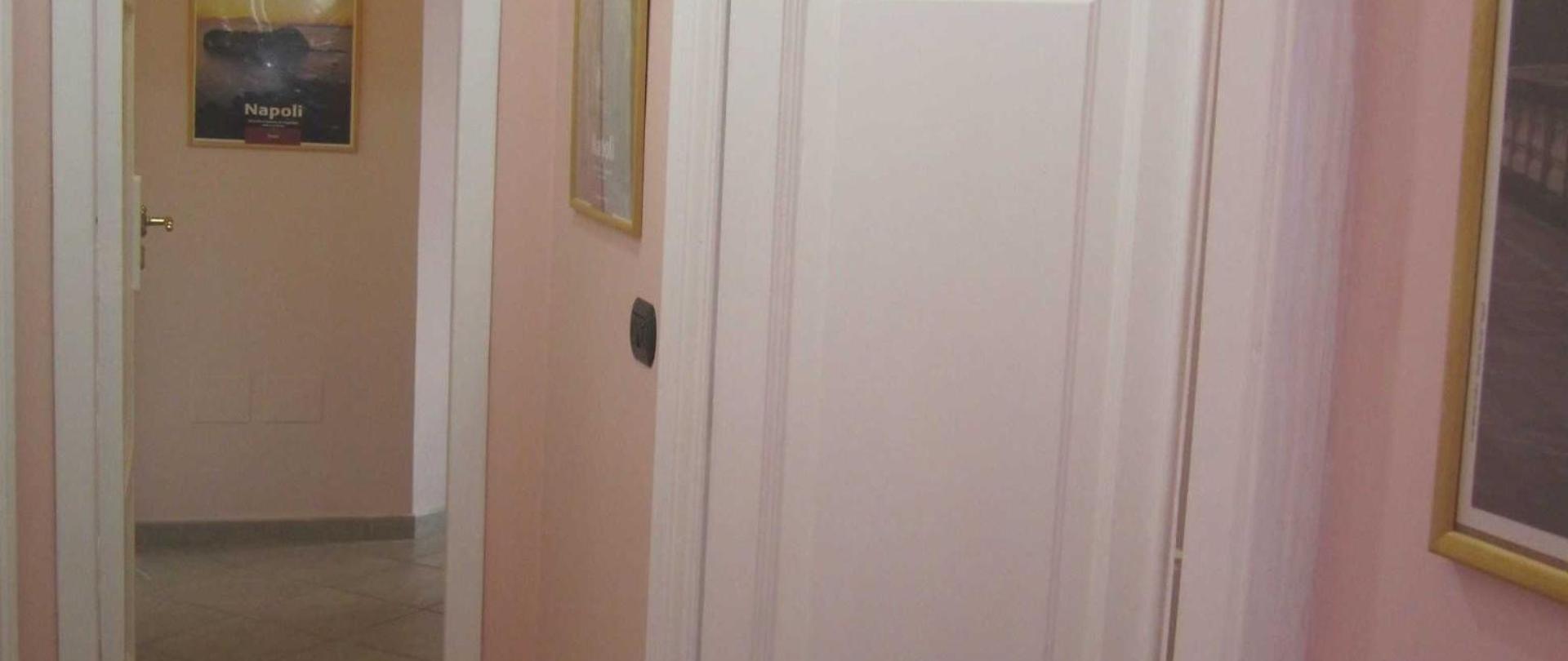 corridoio-porte.jpg