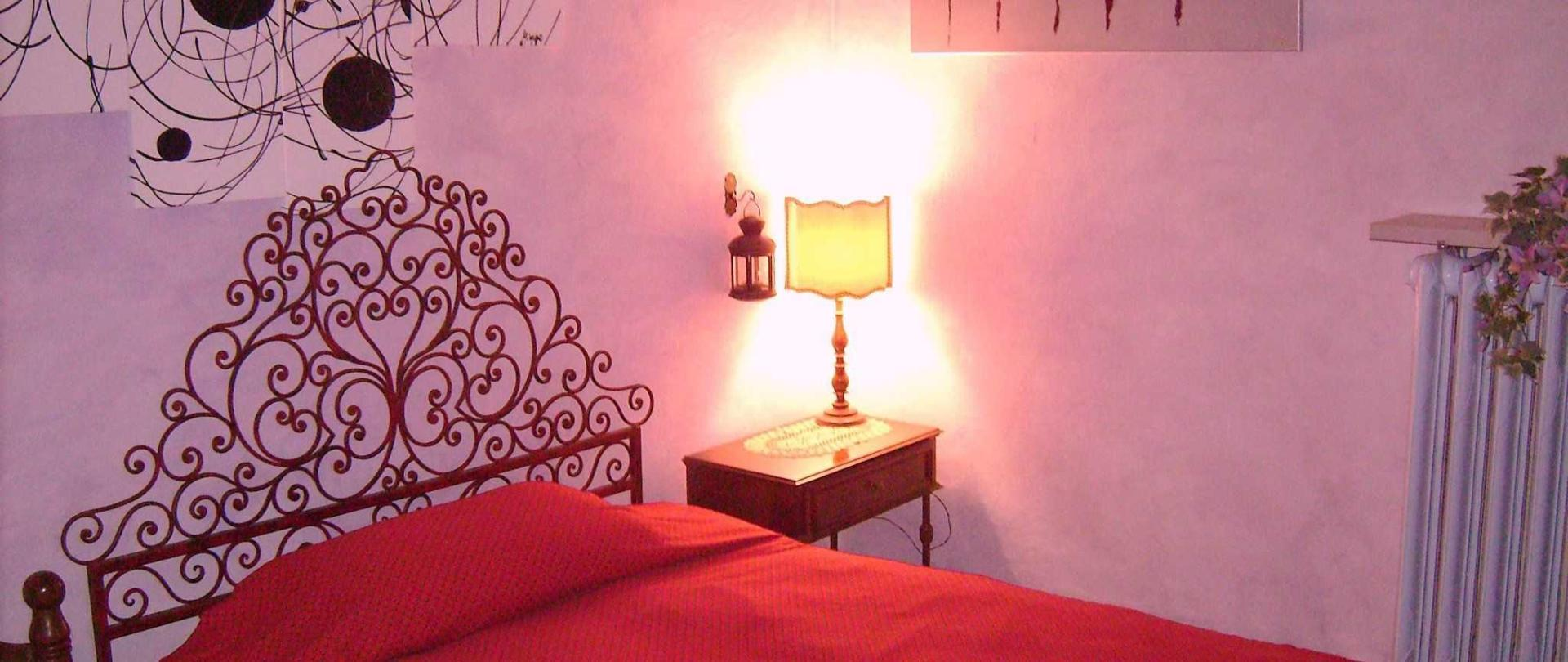 azalea-second-bedroom-with-queen-bed.jpg