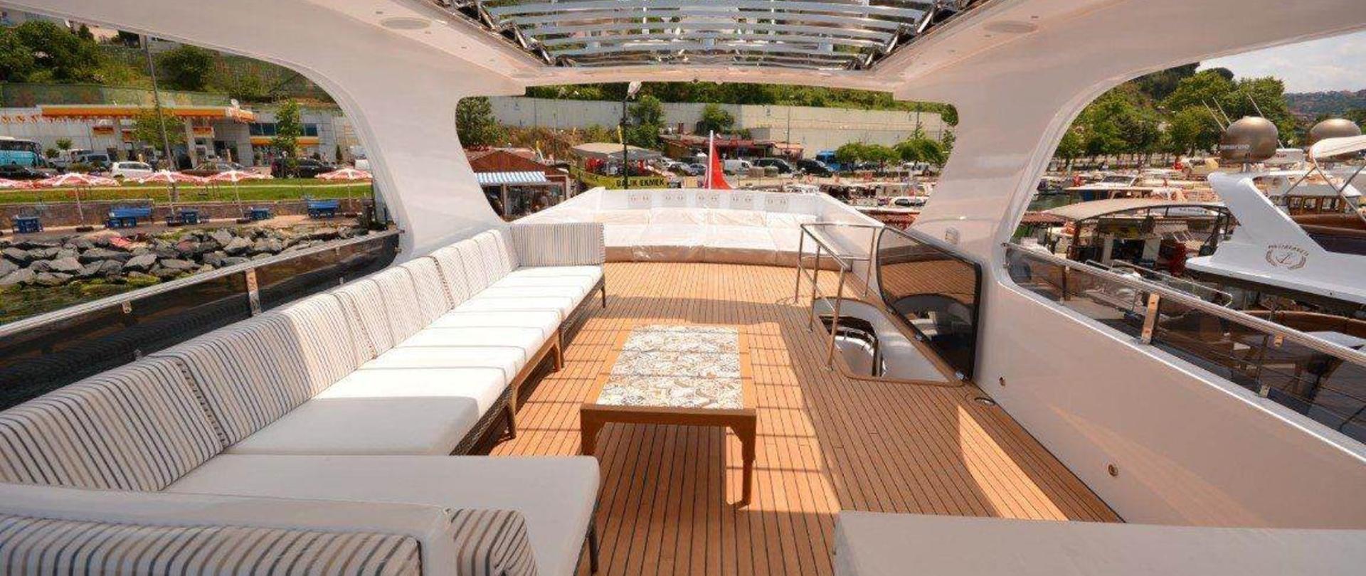 yacht-teras-3.jpg