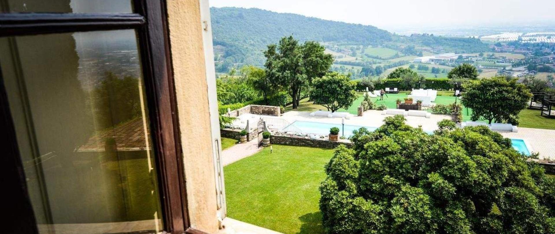 Castello degli Angeli vista da camere storiche.jpg