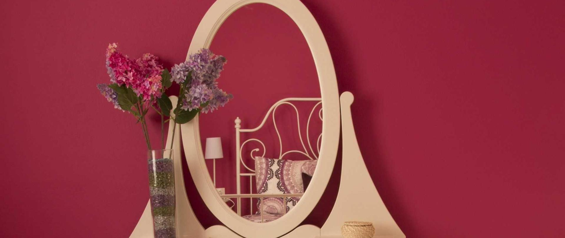 Orchid Flat, Bedroom Mirror