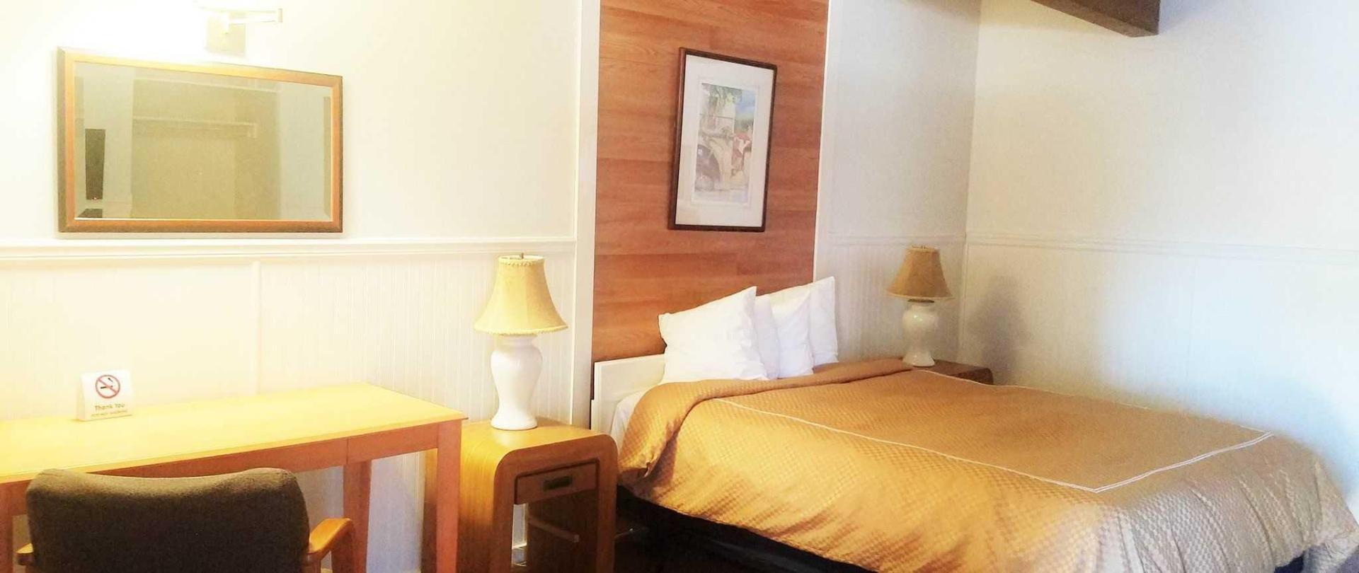 room-218-large-room.jpg