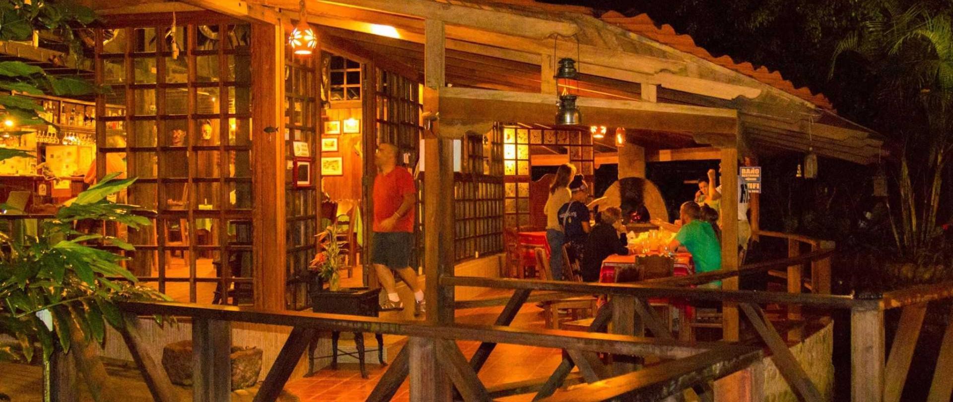 restaurante-con-chimenea-1.jpg