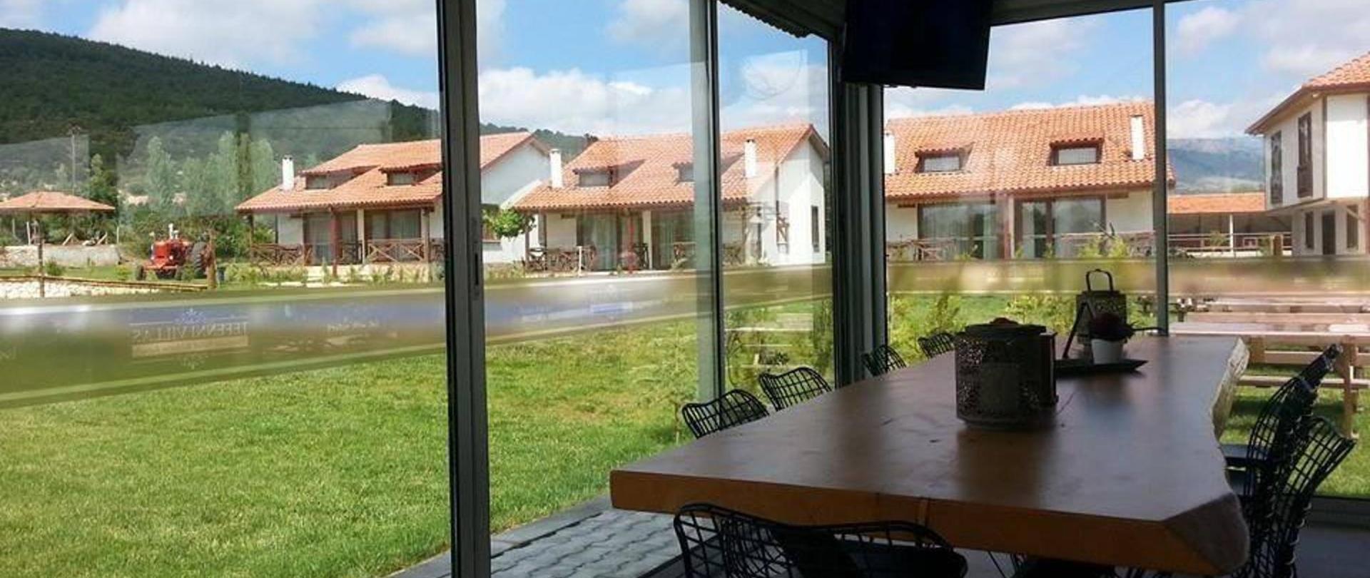 tefenni-villas-restaurant2.jpg