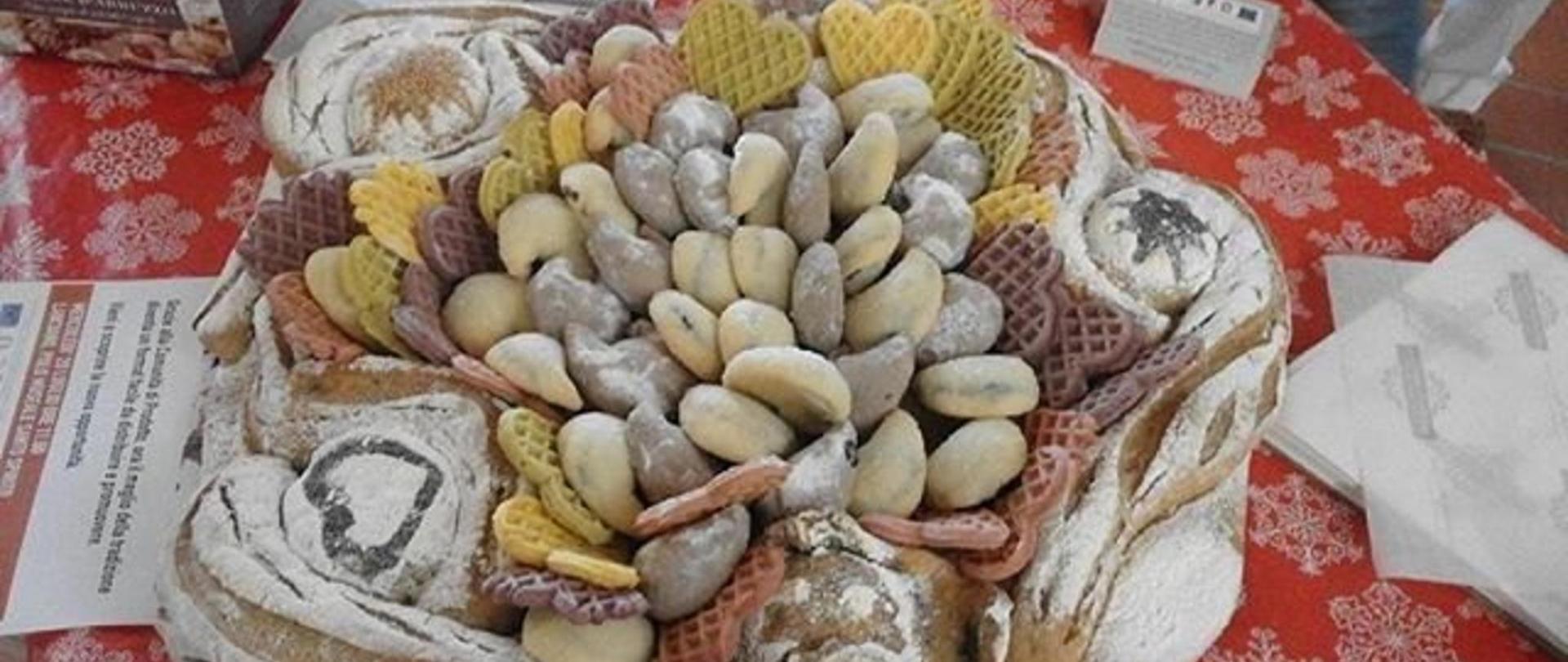 vassoio_in_pane_con_dolci_tipici_abruzzesi-1.jpg