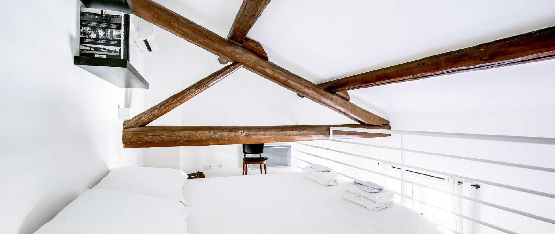 anthe-mis_vulcain_chambre-grande-3-of-3.jpg