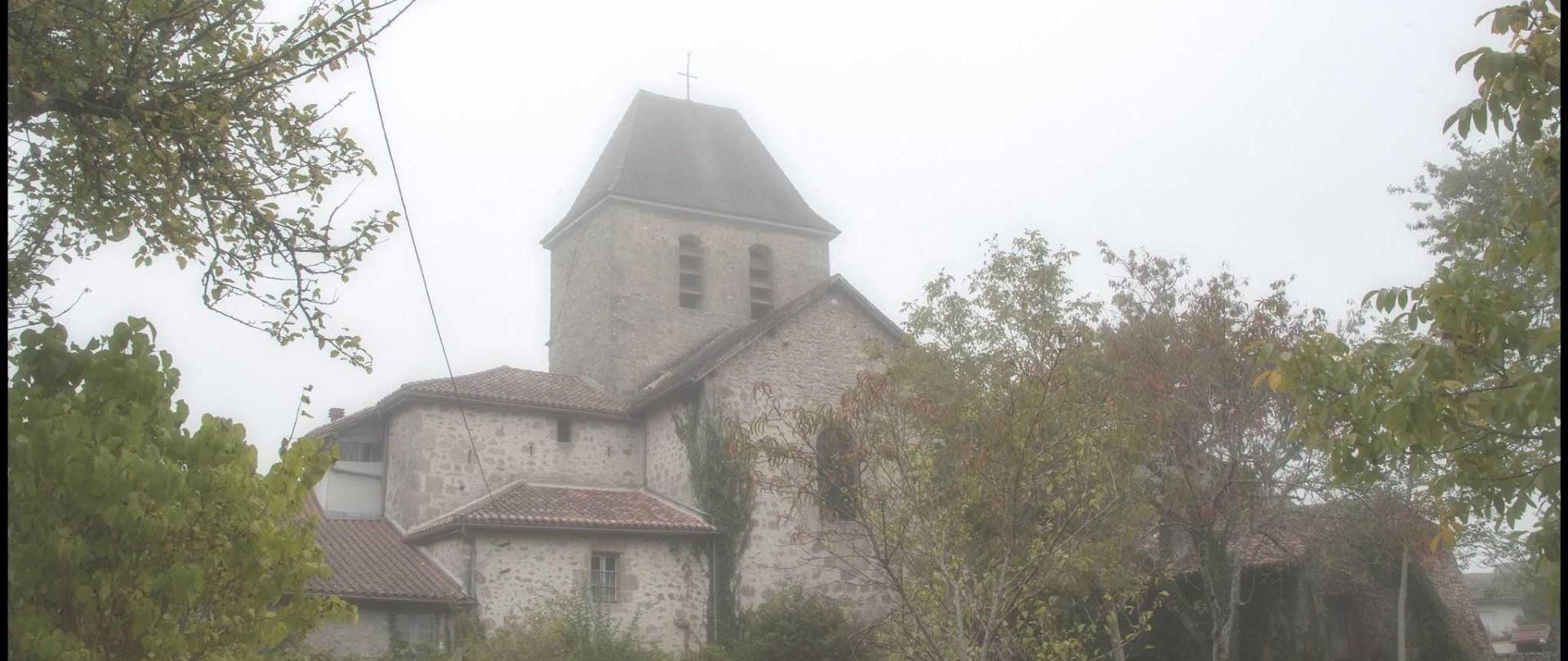 eglise-de-saint-saud-dans-la-brume-chantal_30141676035_o.jpg